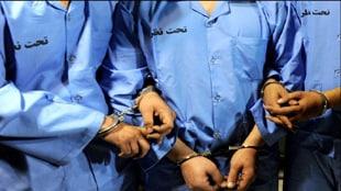 دستگیری سارقان حرفه ای و سابقه دار در شهر زاغه خرمآباد/این افراد سارق منازل مسکونی و احشام بودند.