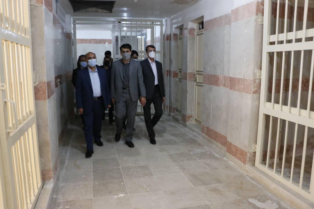 رئیس کل دادگستری استان لرستان از زندان مرکزی خرم آباد بازدید کرد